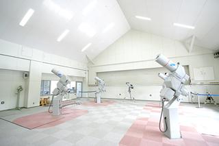 クーデ式20cm屈折望遠鏡